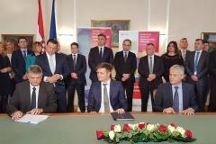 Na sjednici Vlade u Osijeku potpisan Ugovor o provedbi projekta Aglomeracije Vinkovci, Otok, Ivankovo i Cerna
